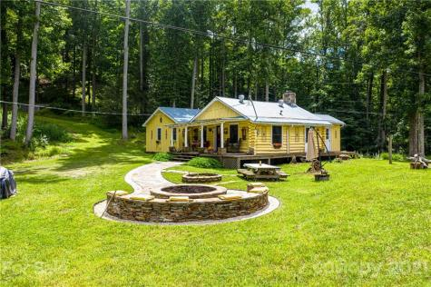 2816 Rabbit Hop Road Spruce Pine NC 28777
