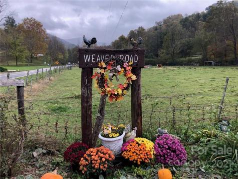39 Weaver Road Weaverville NC 28787