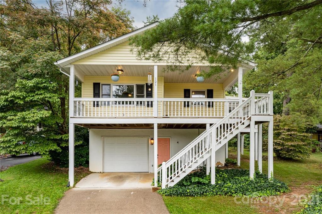121 Oak Terrace Arden NC 28704