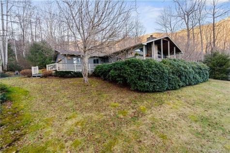 1669 Chestnut Flats Lane Waynesville NC 28786