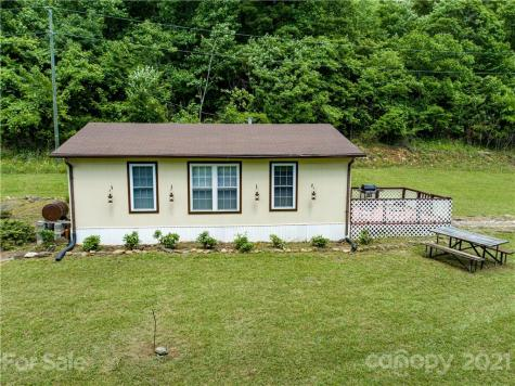 448 Spicewood Lane Bakersville NC 28705