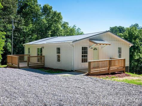 30 Oak Lodge Road Asheville NC 28806