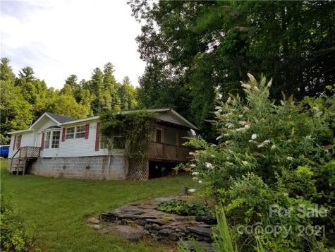 60 Cooper Hollow Road Burnsville NC 28714