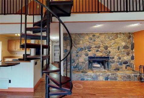 25 Countryside Estate Barnardsville NC 28709