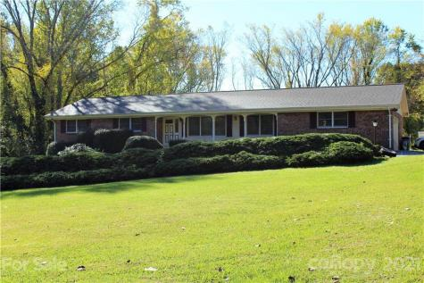 1838 Willow Road Hendersonville NC 28739