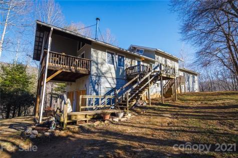 2085 Lotties Creek Road Burnsville NC 28714