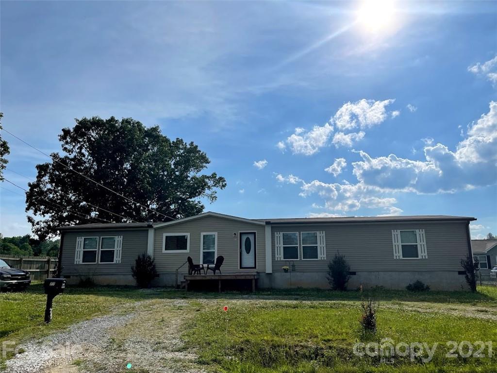 577 Etowah School Road Hendersonville NC 28739