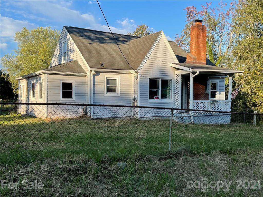 184 Powell Street Hendersonville NC 28792