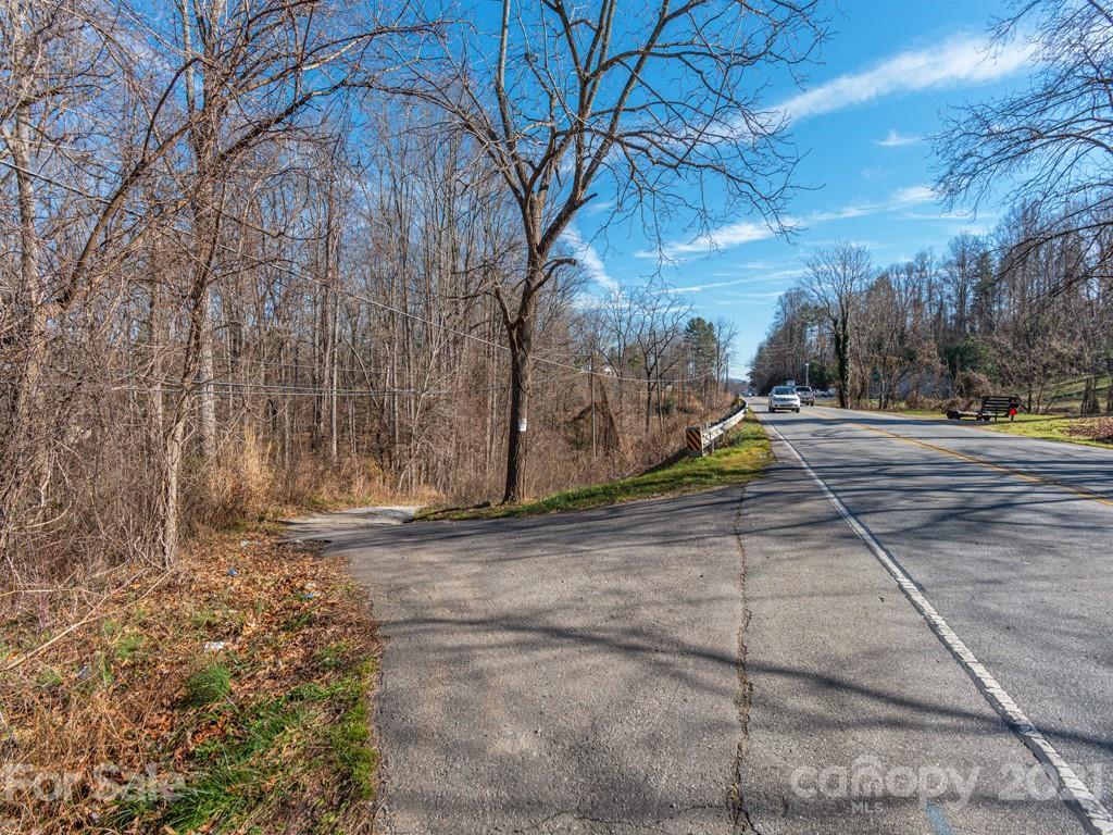 63-83 Sardis Road Asheville NC 28806