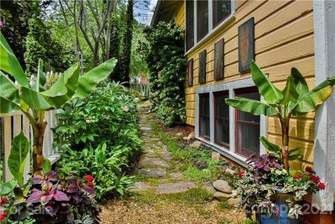 61 Elizabeth Place Asheville NC 28801