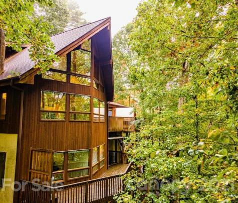 16 Covewood Road Asheville NC 28805