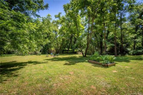 28 Wildwood Park Weaverville NC 28787