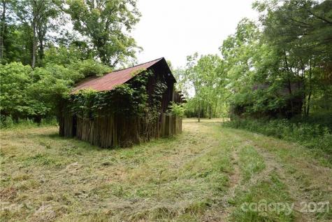 1094 Slagle Road Bakersville NC 28705