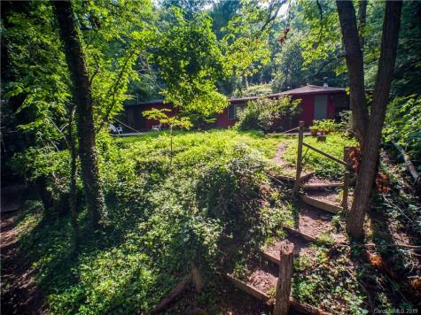 25 Howland Road Asheville NC 28804