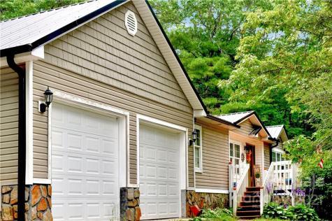 201 Franklin Village Spruce Pine NC 28777