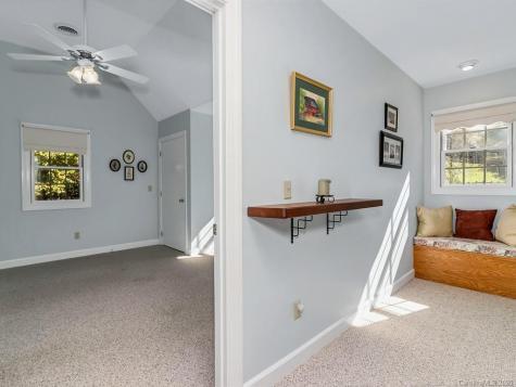 186 Lillians Lane Bakersville NC 28705