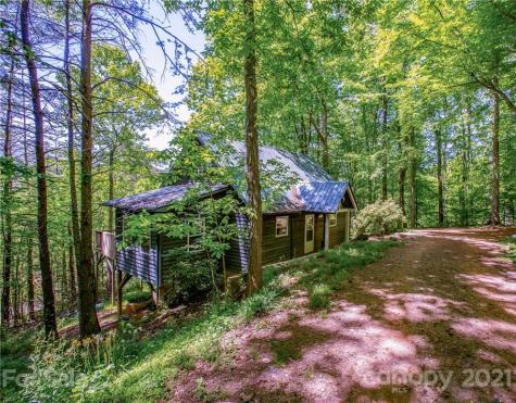 435 Sidewinder Drive Green Mountain NC 28740