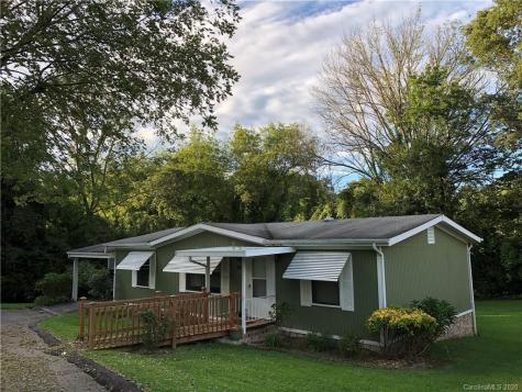 226 Cranbrook Circle Hendersonville NC 28792