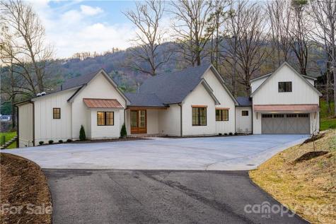 165 Robinhood Road Asheville NC 28804