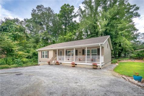 32 Beechwood Lakes Drive Hendersonville NC 28792