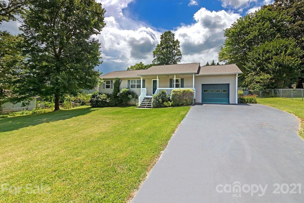 311 Hunters Ridge Drive Mills River NC 28759