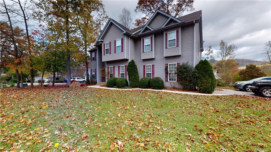 214 Colonel Holcombe Place Candler NC 28715