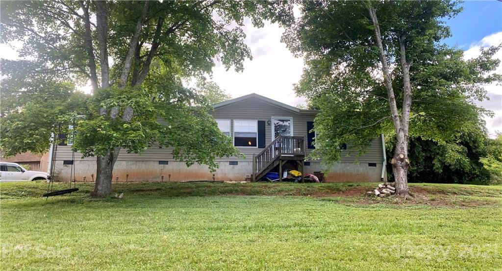 374 Reeves Cove Road Candler NC 28715