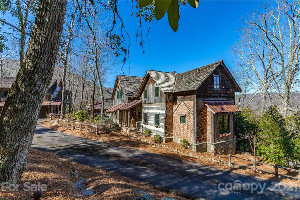 230 Toxaway Drive Lake Toxaway NC 28747
