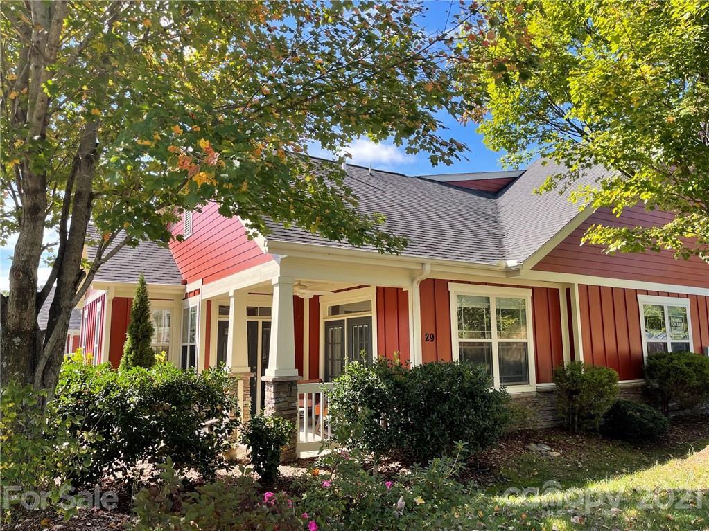 29 Brookstone Place Candler NC 28715