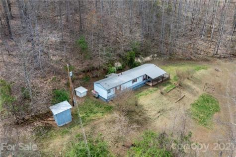 221 Buckeye Hollow Road Bakersville NC 28705