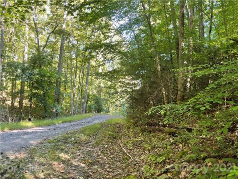 00 Camelot Estates Spruce Pine NC 28777