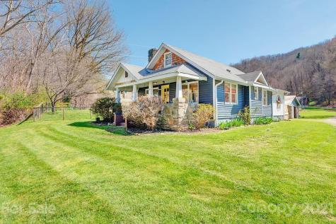 8 Curly Willow Lane Weaverville NC 28787