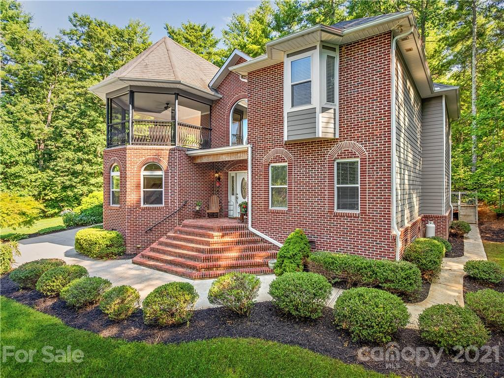 15 Madelyn Lane Fairview NC 28730
