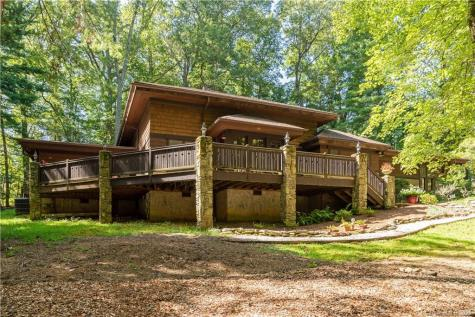 2 Holly Hill Road Asheville NC 28803