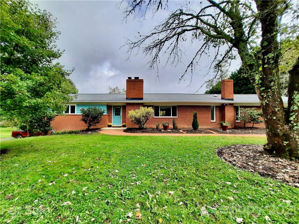 364 Pace Road Hendersonville NC 28792