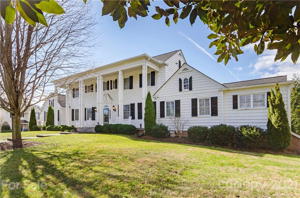 58 Towne Place Drive Hendersonville NC 28792