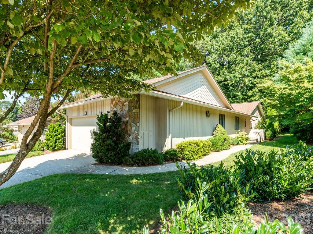 116 Cloverleaf Lane Asheville NC 28803