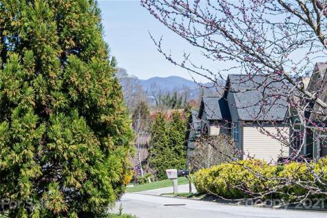 31 Azure Sage Way Asheville NC 28806
