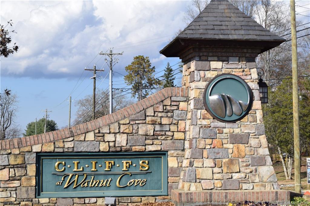 498 Walnut Valley Parkway Arden NC 28704