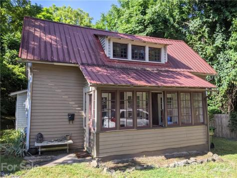 20 Claxton Place Asheville NC 28801