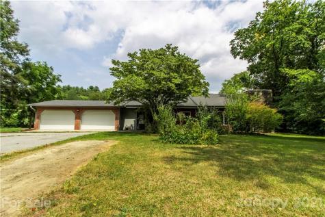 1669 Howard Gap Road Hendersonville NC 28792