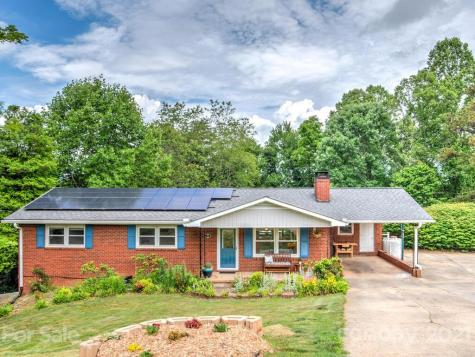 18 Holly Hill Drive Asheville NC 28806