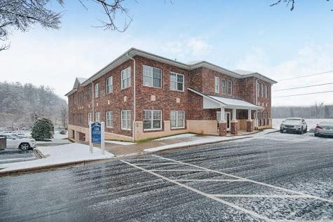 120 Chadwick Square Court Hendersonville NC 28739