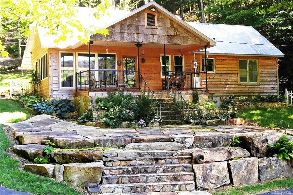 1472 Brummetts Creek Road Green Mountain NC 28740
