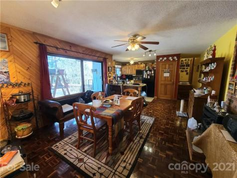 21 S Oaks Circle Asheville NC 28806