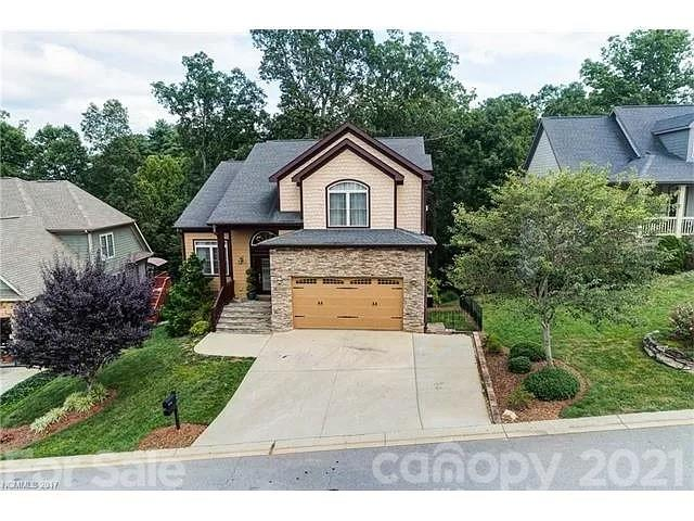16 Stone House Road E Arden NC 28704