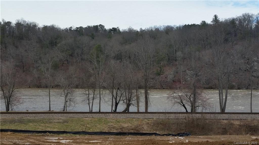 32 River Run Asheville NC 28804