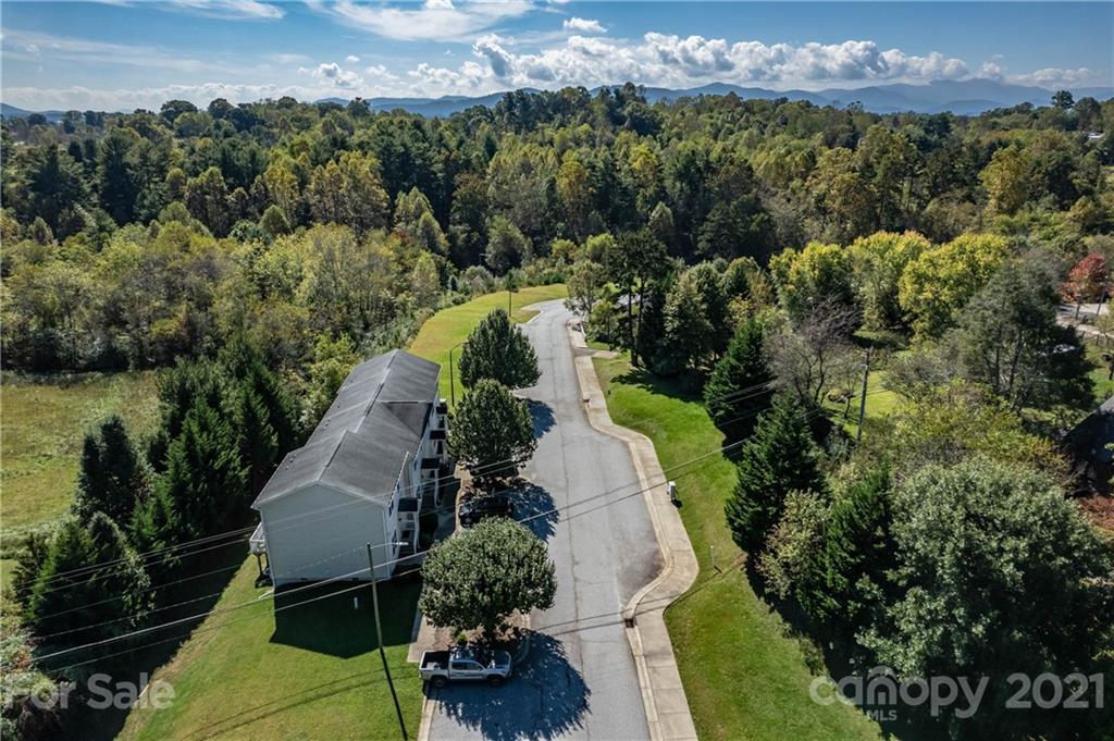 200 Villas Court Asheville NC 28806