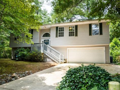 213 Pine Berry Circle Hendersonville NC 28739