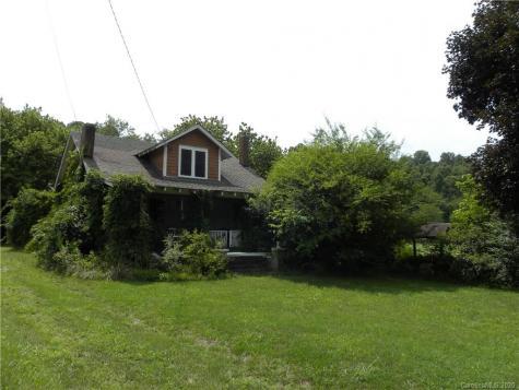 16 Riverside Drive Barnardsville NC 28709